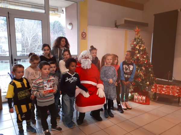 noel-enfants-mairie-sampzon